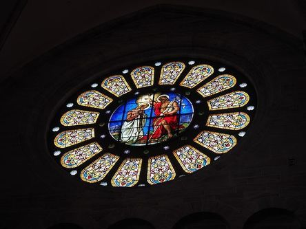rose-window-699873__480.jpg
